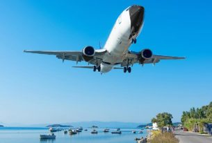 world's-most-scenic-airport-landing-revealed