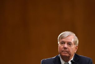 lindsey-graham:-trump-'very-focused'-on-confirming-barrett-to-supreme-court-despite-his-coronavirus-diagnosis