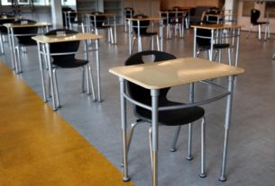 crowded-parties-and-coronavirus-concerns-keep-high-schoolers-from-returning-to-the-classroom