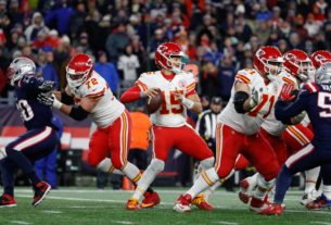 how-bill-belichick-has-dealt-with-patrick-mahomes-before-—-and-how-he'll-do-it-again