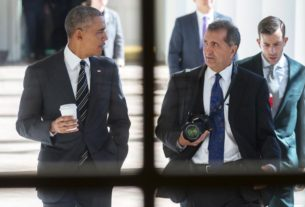 'the-way-i-see-it'-filters-the-obama-presidency-through-pete-souza's-lens