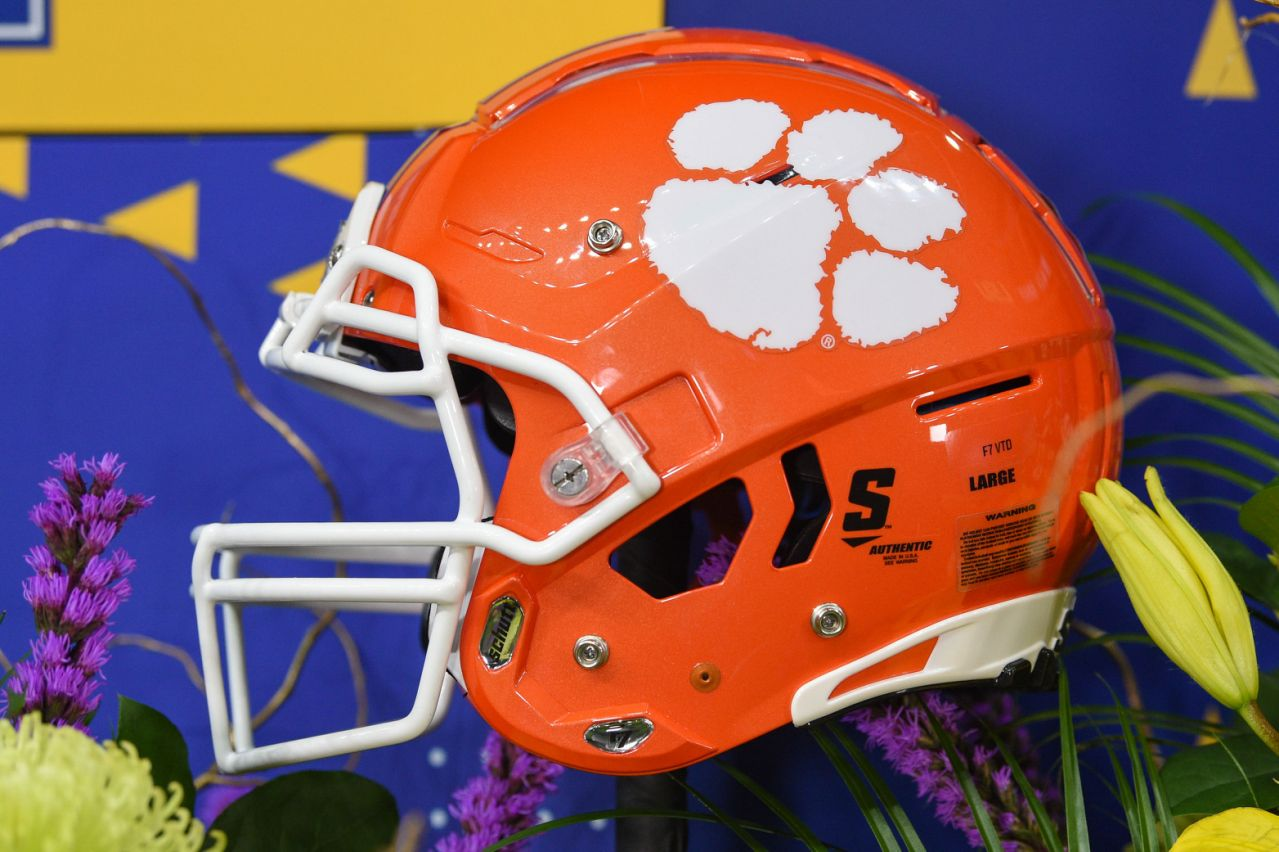5-star-freshman-rb-demarkcus-bowman-transfers-from-clemson-to-florida