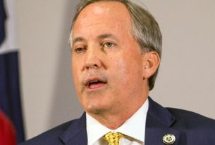 top-aides-to-texas-attorney-general-ken-paxton-have-accused-him-of-bribery-and-abuse-of-office