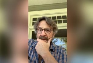 marc-maron-is-inviting-us-to-grieve-with-him-from-his-front-porch