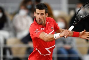 novak-djokovic-into-french-open-quarterfinals-after-brief-linesperson-scare