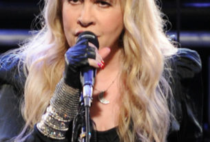 stevie-nicks-debuts-new-song-'show-them-the-way'