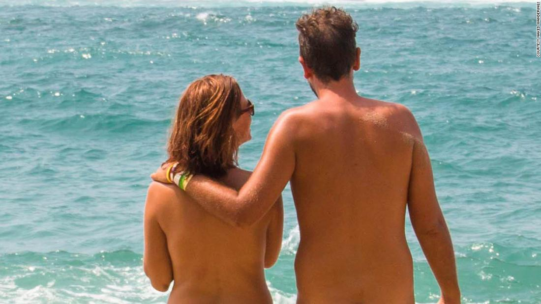 the-naturist-couple-that-travels-the-world-naked