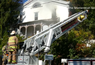 fire-breaks-out-in-nearly-200-year-old-mansion