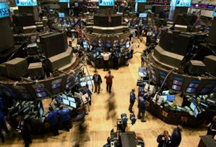 stock-market-news-live-updates:-stock-futures-open-higher-ahead-of-apple-and-amazon-events,-earnings