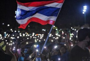 thailand's-unprecedented-revolt-pits-the-people-against-the-king