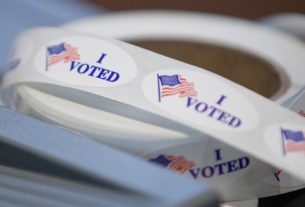 michigan-bans-open-carrying-of-guns-at-polling-sites-on-election-day