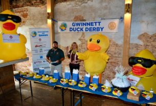 'duck-derby'-raises-$25k-for-nonprofits