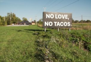 mexican-restaurant-takes-political-stand-with-sign-declaring-'no-love,-no-tacos'