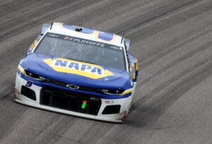 nascar:-'maybe-we-missed'-requiring-chase-elliott's-team-to-fix-his-radio-during-kansas-race