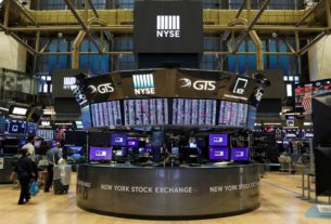 stock-market-news-live-updates:-wall-street-slumps-on-fading-pre-election-stimulus-hopes,-dow-has-worst-day-in-nearly-a-month