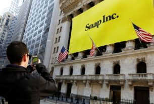 snap-beats-user-growth-and-revenue-estimates,-shares-jump-18%