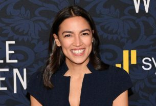 alexandria-ocasio-cortez-just-played-a-video-game-on-twitch-to-encourage-voting