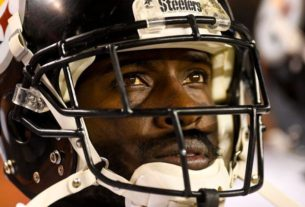 antonio-brown-gets-one-year-deal,-with-low-salary-and-incentives