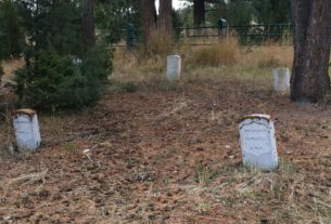 a-treasure-hunter-is-accused-of-damaging-a-cemetery-in-yellowstone-national-park-while-searching-for-hidden-treasure