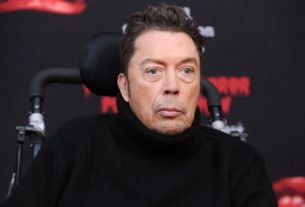 tim-curry-to-join-'rocky-horror'-live-stream