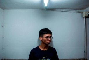 hong-kong-teenage-activist-detained-after-reportedly-planning-to-claim-asylum-at-us-consulate