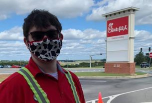 a-chick-fil-a-employee-saved-a-boy-from-choking-in-the-drive-thru-line