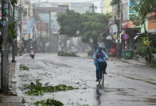 at-least-25-dead-and-scores-missing-after-typhoon-molave-lashes-vietnam