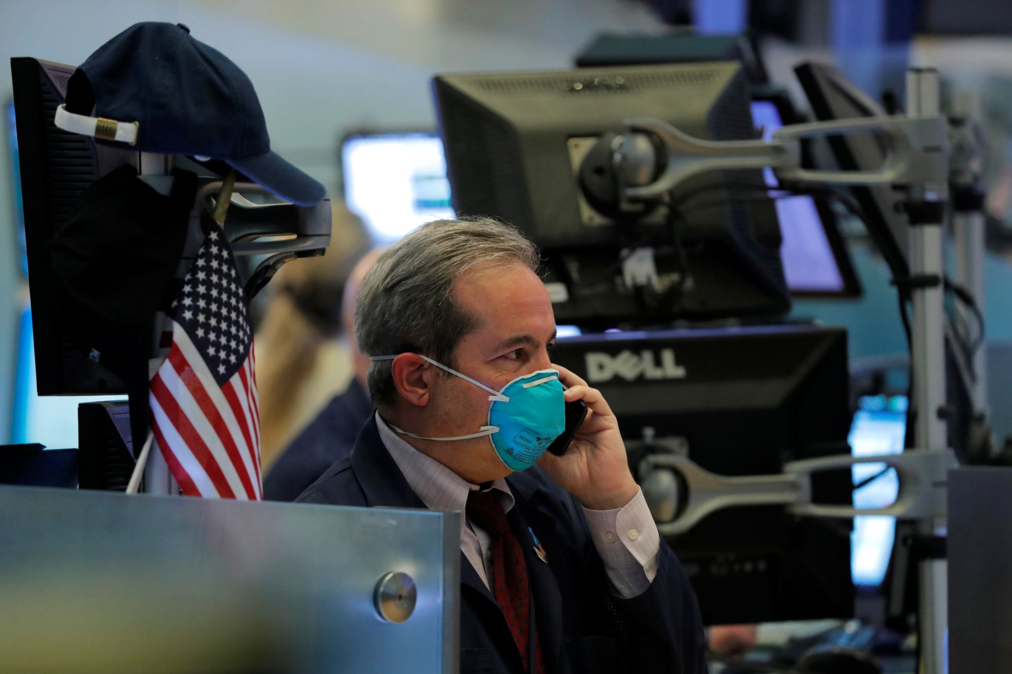 stock-market-news-live-updates:-stock-futures-trade-lower,-giving-back-gains-after-tech-earnings