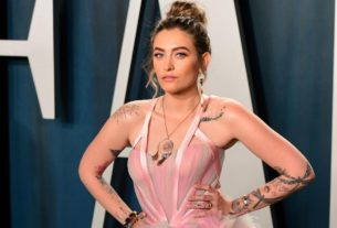 paris-jackson-debuts-'let-down'-and-signs-record-deal