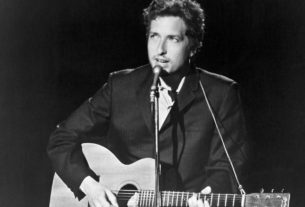 bob-dylan-wrote-'lay-lady-lay'-for-barbra-streisand,-he-revealed-in-a-just-released-1971-interview