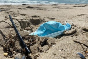 used-masks-and-gloves-are-showing-up-on-beaches-and-in-oceans