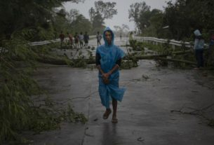 strongest-typhoon-of-2020-slams-the-philippines,-killing-at-least-10