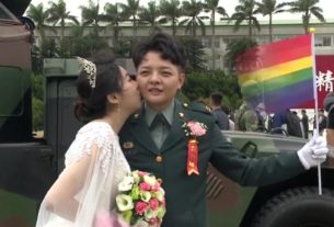 two-gay-couples-in-taiwan-make-history-in-military-wedding