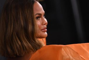 chrissy-teigen-honors-late-son-with-new-tattoo