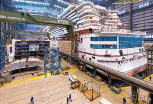 video-shows-massive-cruise-ship-assembled-in-seconds