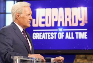 'jeopardy!'-episodes-hosted-by-alex-trebek-will-air-through-december-25