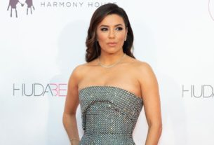 eva-longoria-apologizes-and-clarifies-why-she-said-latinas-were-the-'real-heroines'-of-the-election