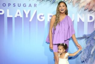 chrissy-teigen-shares-how-daughter-luna-honors-baby's-ashes