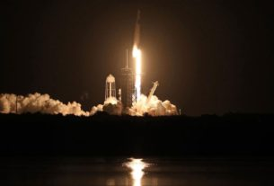 spacex-nasa-mission:-four-astronauts-arrive-at-international-space-station