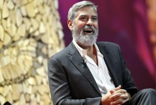george-clooney-drove-an-old-van-to-pick-up-$14-million-in-cash-to-give-to-his-friends
