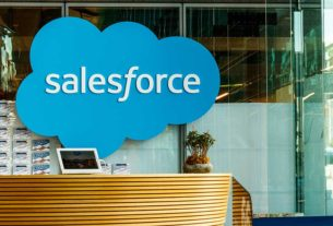 salesforce-stock-to-record-big-investment-gain-from-snowflake-ipo,-says-analyst