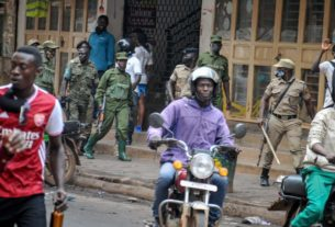 death-toll-climbs-in-kampala-as-protests-over-bobi-wine's-arrest-continue