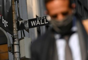 wall-street's-$8-trillion-man:-markets-are-'tired'-of-trump-chaos