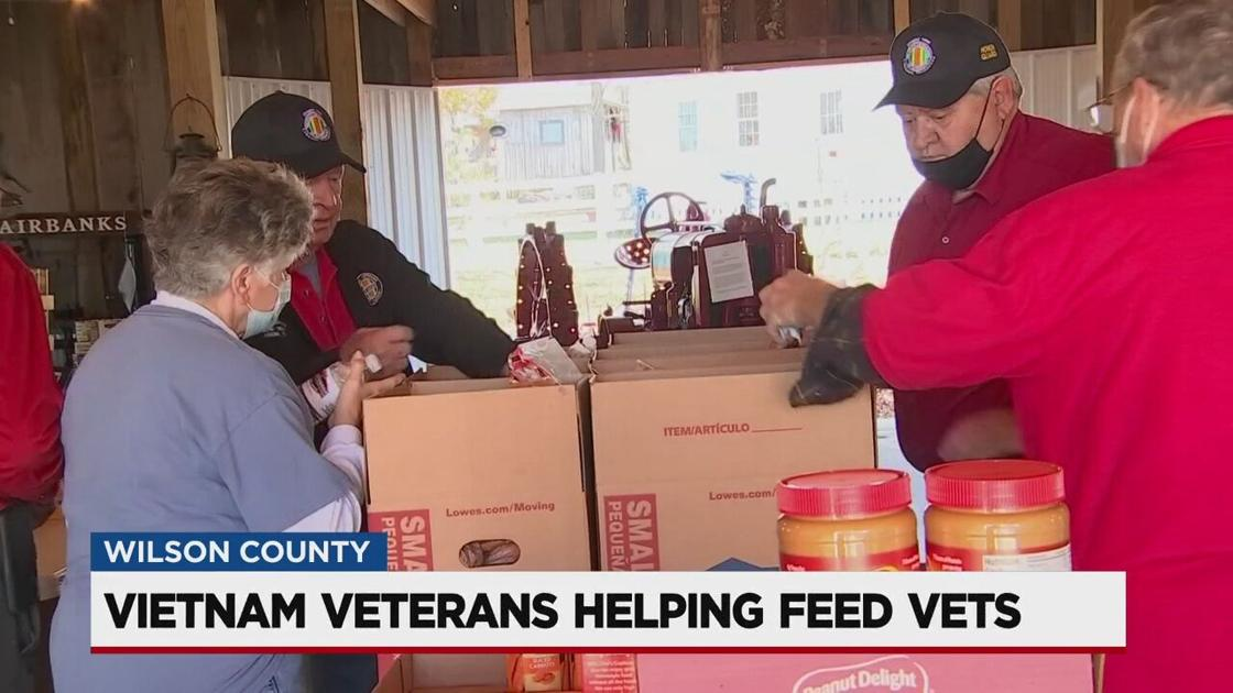 veterans-organization-providing-food-to-other-vets