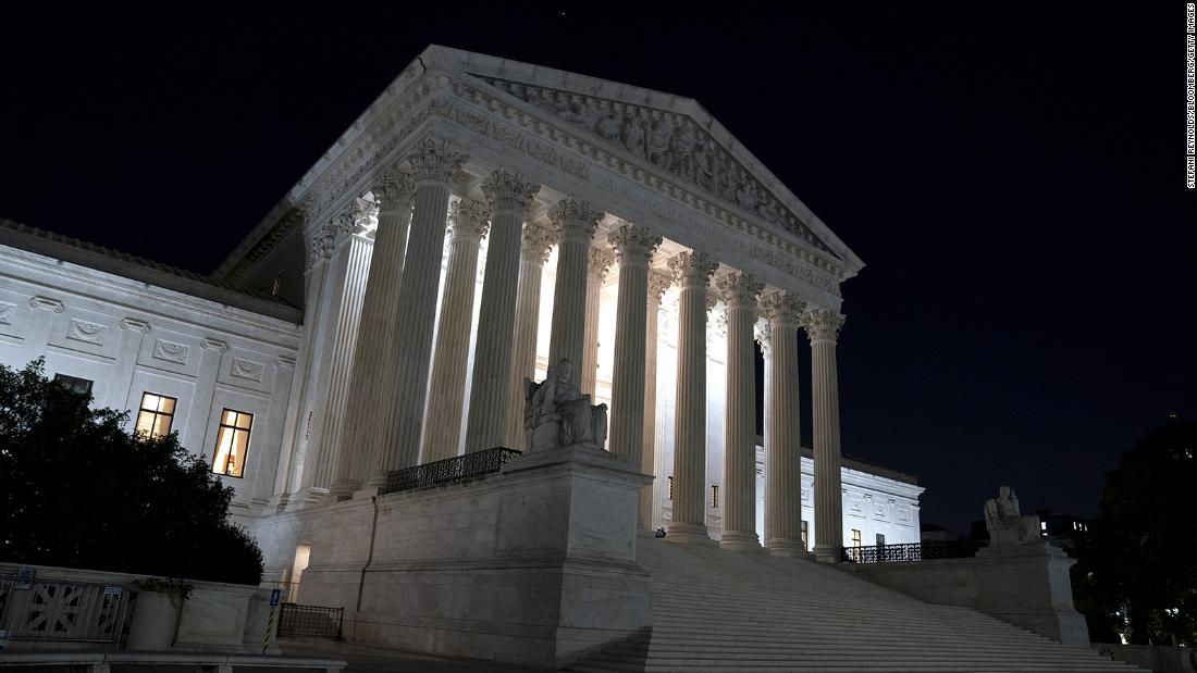 in-a-5-4-ruling,-supreme-court-sides-with-religious-groups-in-a-dispute-over-covid-19-restrictions-in-new-york
