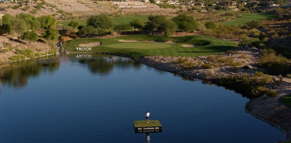 watch:-justin-thomas,-gary-woodland-and-others-try-for-$1-million-ace-…-on-water