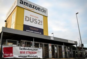 amazon-spends-another-$500-million-on-bonuses.-some-of-its-workers-are-still-going-on-strike