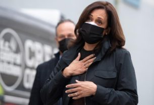 kamala-harris-called-a-nurse-on-thanksgiving-to-thank-her-for-fighting-on-the-covid-frontlines