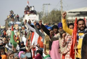 tens-of-thousands-of-farmers-swarm-india's-capital-to-protest-deregulation-rules