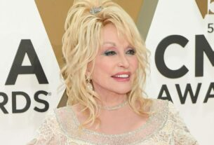 dolly-parton-saved-her-9-year-old-costar-from-an-oncoming-car